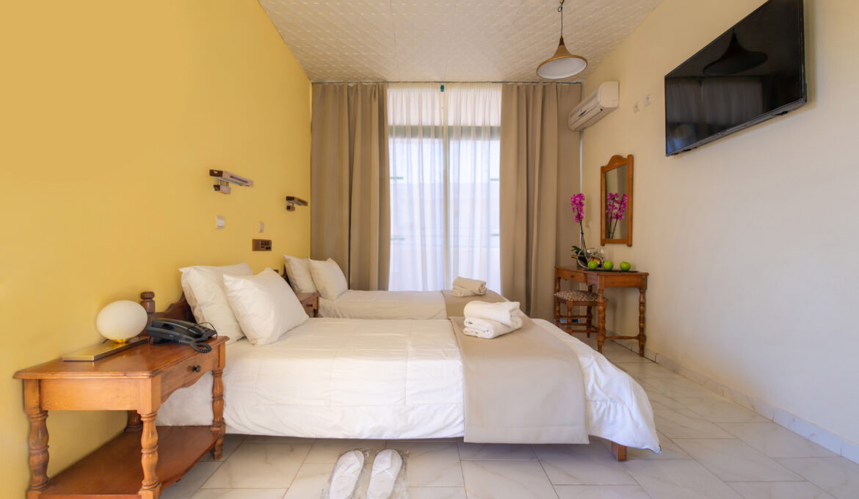 Double / Twin Room – Bed & Breakfast