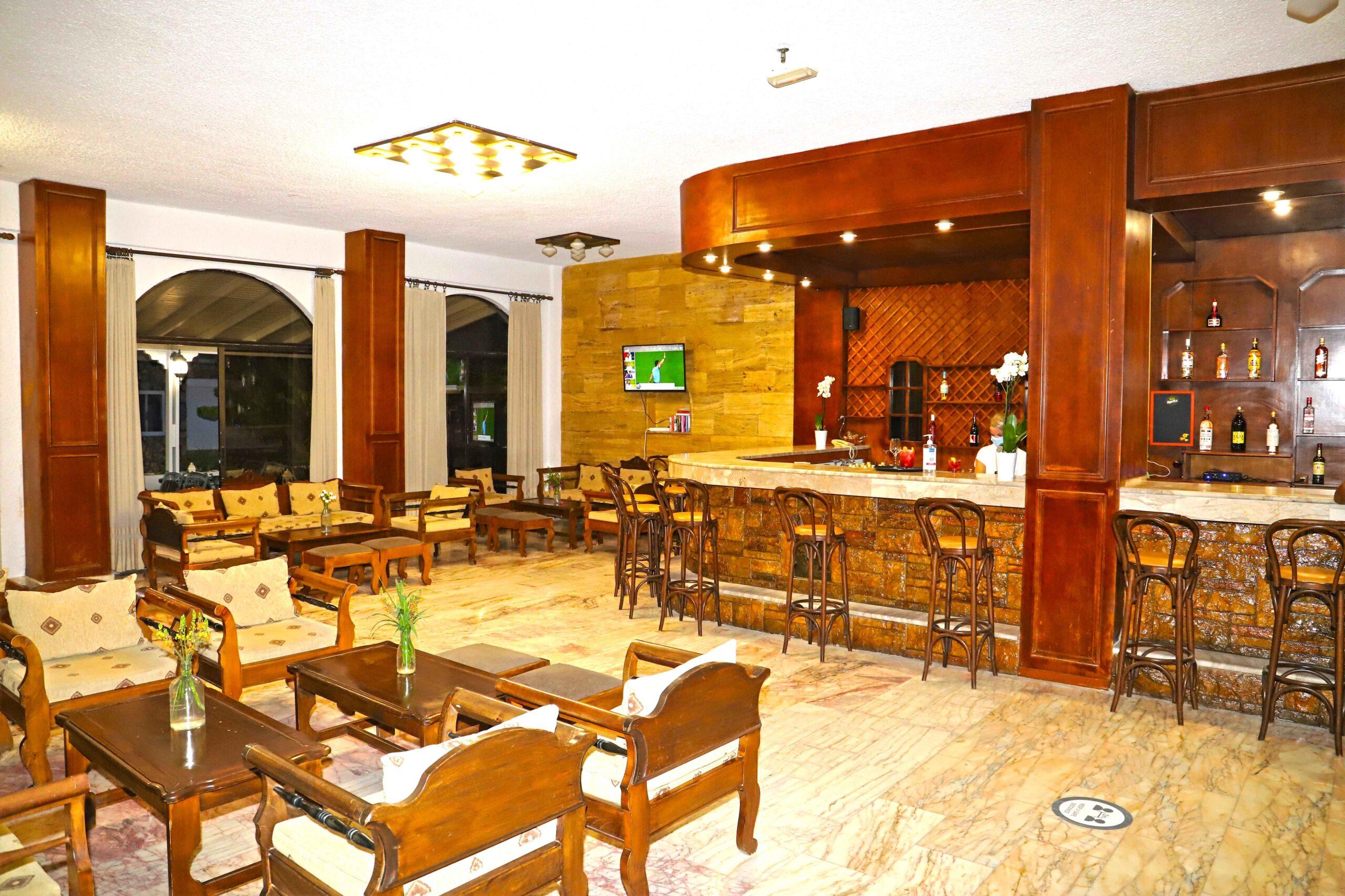 Lobby – Main Bar