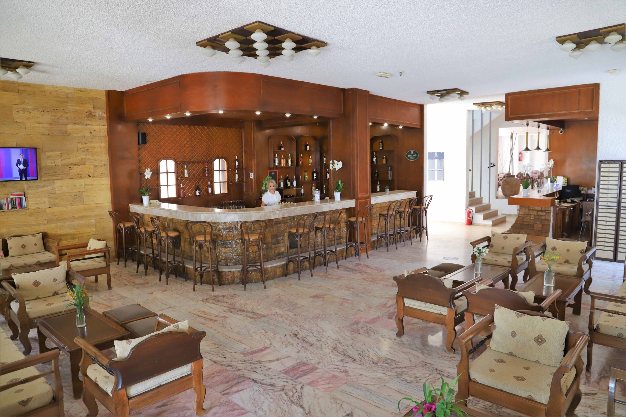 Lobby – Main Bar – Reception